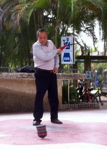 Joueur de toupie chinoise à Zhanjiang